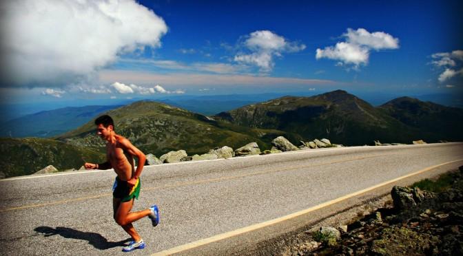 Prečo elitní bežci trénujú na asfalte a prečo by ste mali aj vy